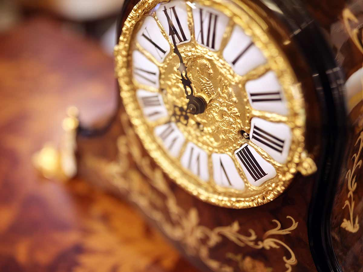 Greasbys Auctioneers and Valuers - London - Opening Times