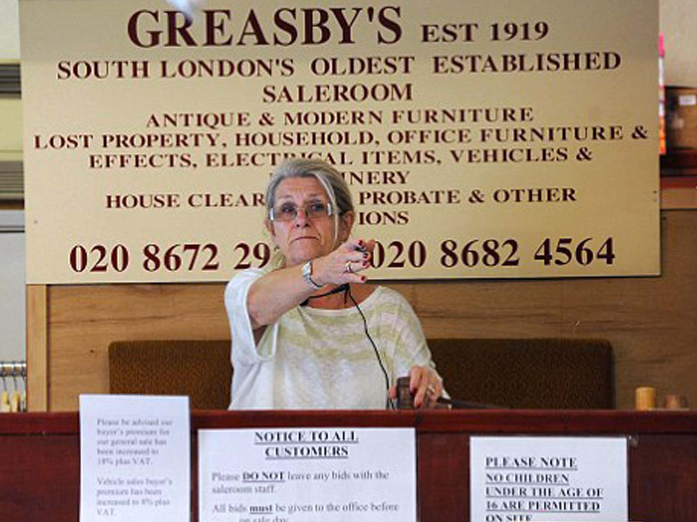 Greasbys Auctioneers and Valuers London - viewings